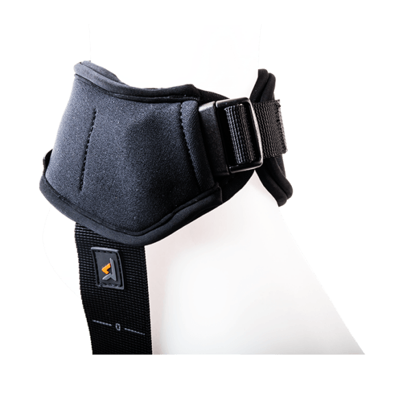 Ankle positioning support with strap for fasten to the user ankles
