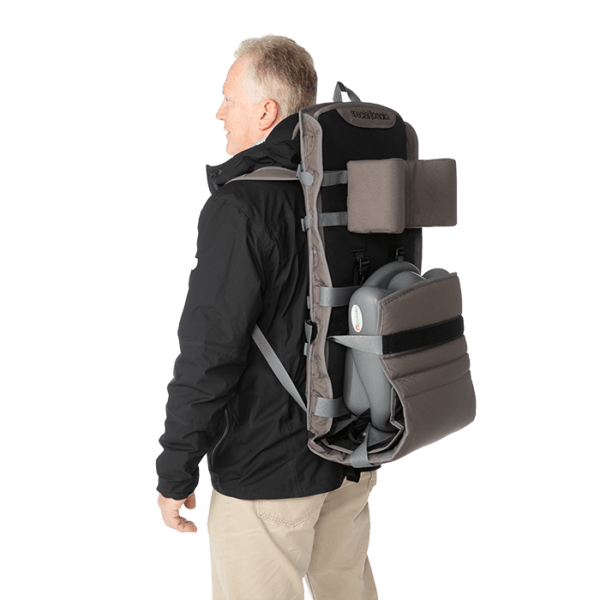 Out & About can be carried with the Liner seat still attached without falling out.